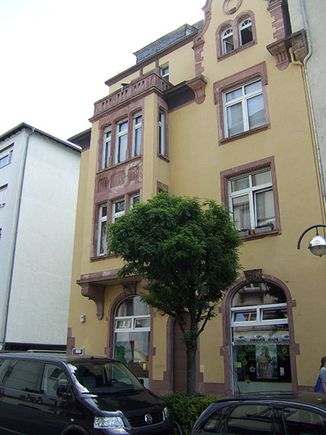 Fotografie: Burgfriedenstraße 5, Wohnhaus von Heinrich Hammel, dem Vorsitzenden der Jüdischen Gemeinde Rödelheim.