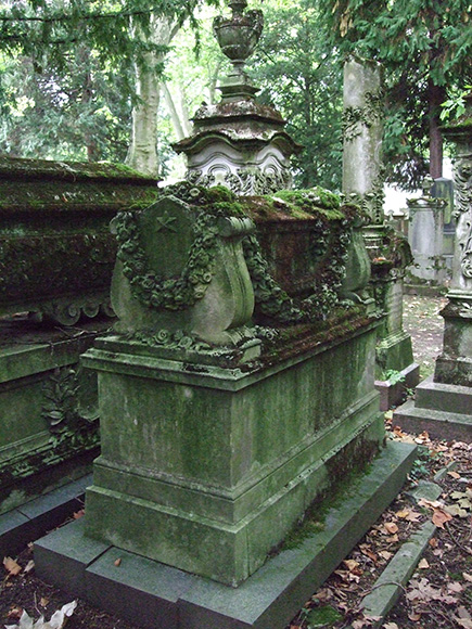 Fotografie: Grabstätte von Georgine Sara von Rothschild, Jüdischer Friedhof Rat-Beil-Straße.