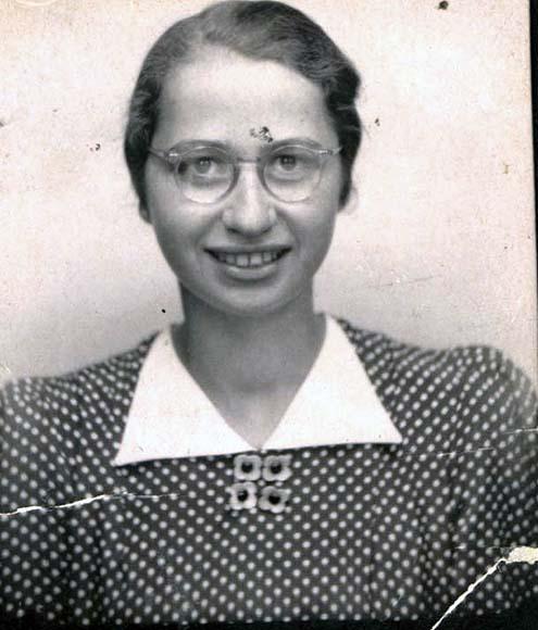 Fotografie: Neuberger, Erna / Erna Neuberger, undatiert (um 1940)