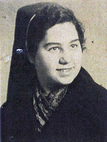 Fotografie: Farntrog, Betti / Betti Bilha Farntrog, Portrait, undatiert (um 1941)